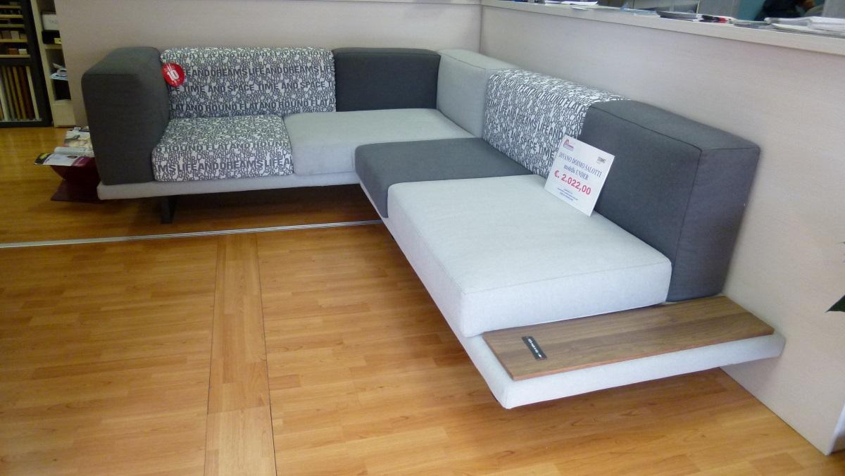 Offerta divano under doimo salotti san gaetano arredamenti - Divano letto doimo prezzo ...