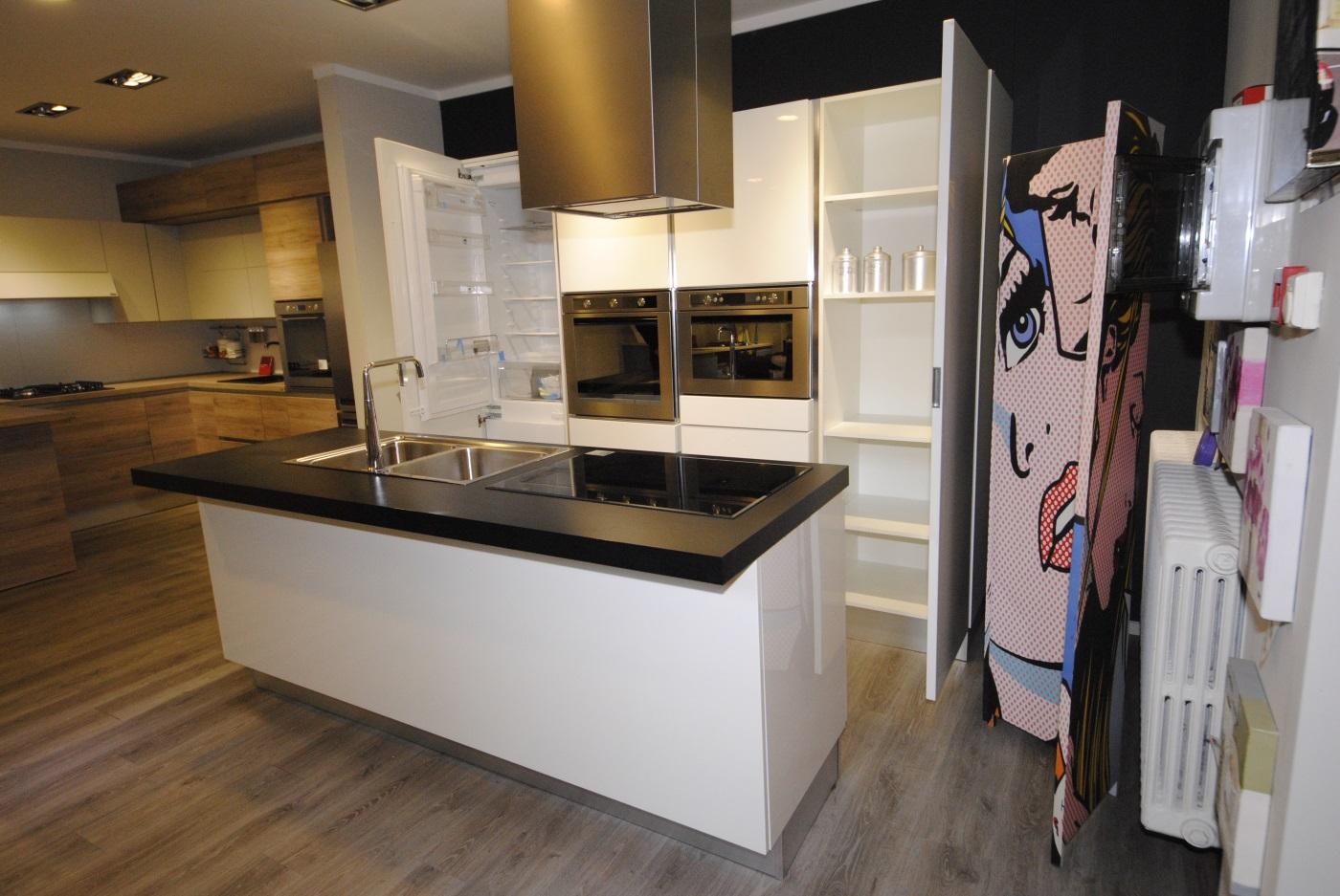 Offerta Cucina Scavolini modello Scenery Laccato Lucido - San ...