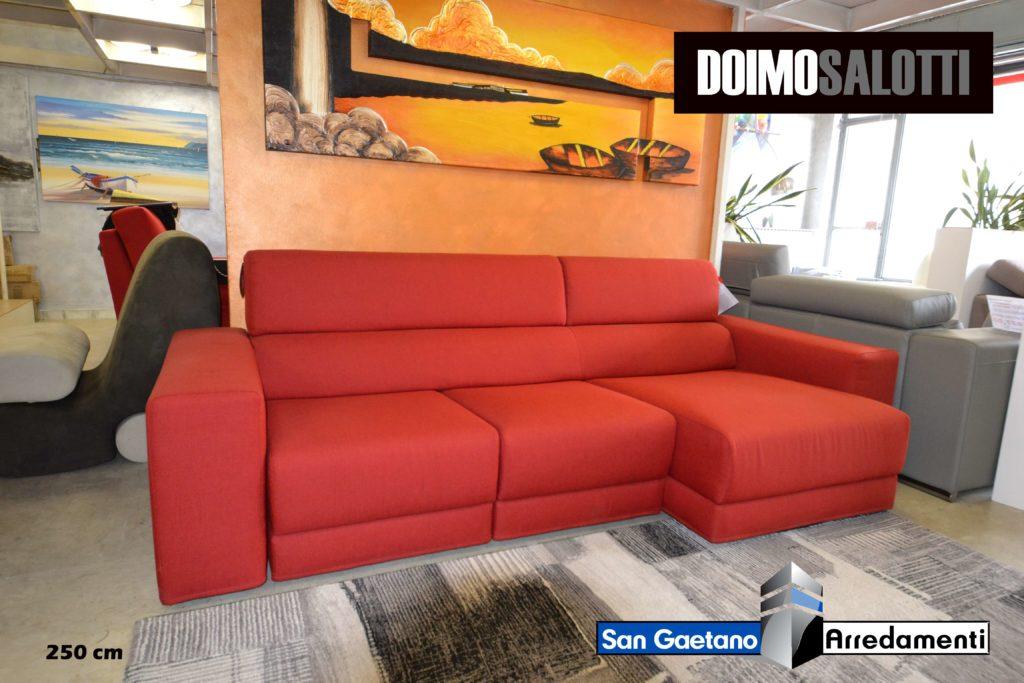 Offerta divano doimo salotti modello step san gaetano - Costo rivestimento divano ...