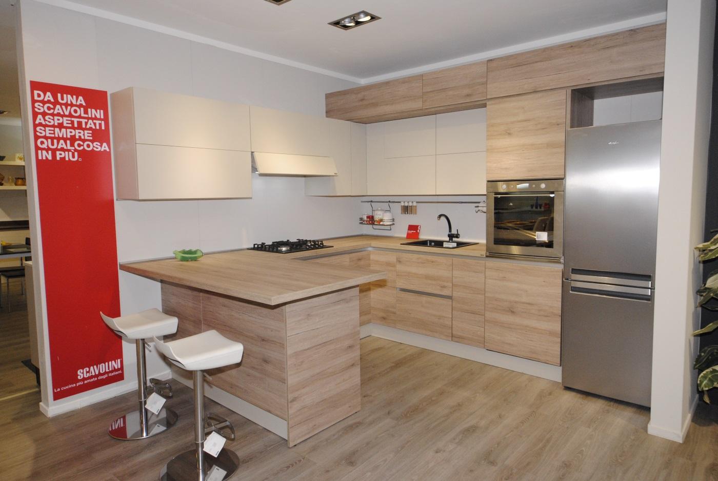 Offerta cucina scavolini modello liberamente decorativo e laccato opaco san gaetano arredamenti - Costo cucine scavolini ...