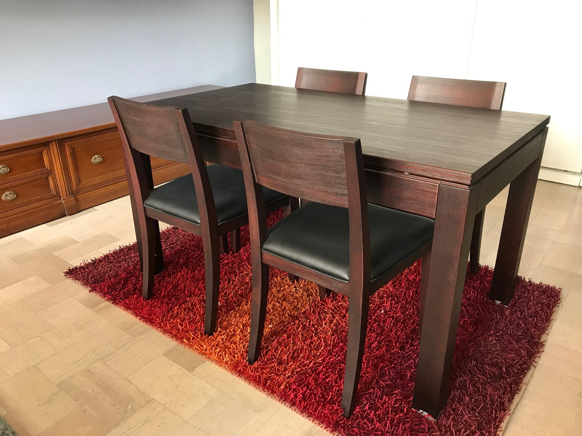 Offerta grattarola tavolo e 4 sedie in pino laccato for 4 sedie in offerta